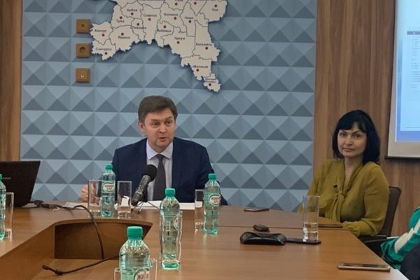 Сегодня в Федерации Профсоюзов Кировской области состоялась пресс-конференция с Председателем Романом Бересневым.